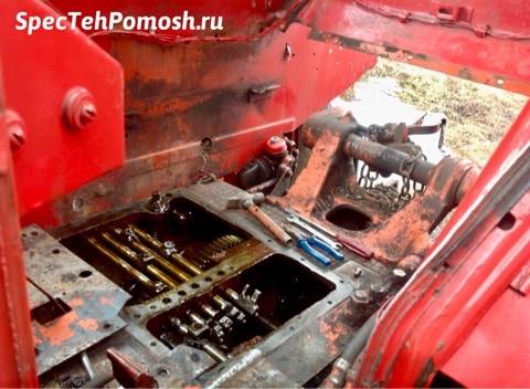 Ремонт КПП трактора на выезде
